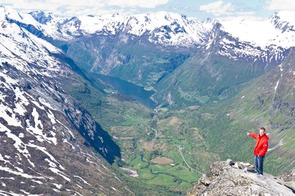 Utsikt over Geiranger fra Dalsnibba